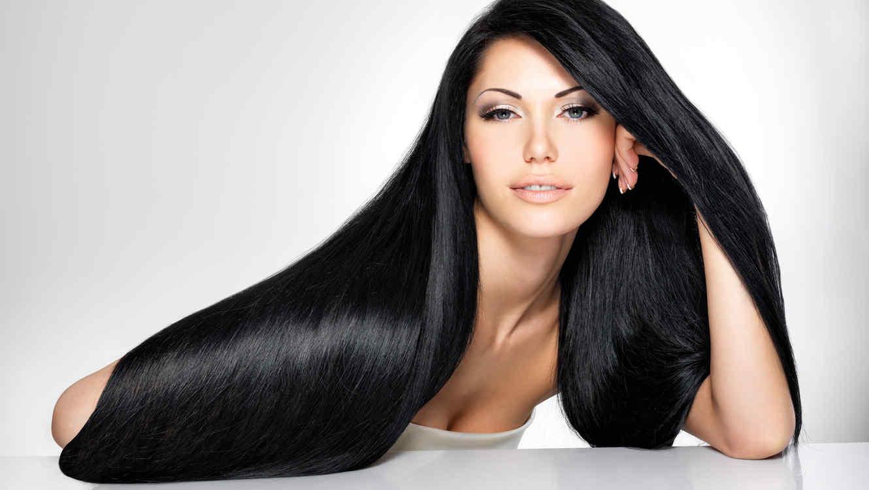 Beneficios del cabello oscuro